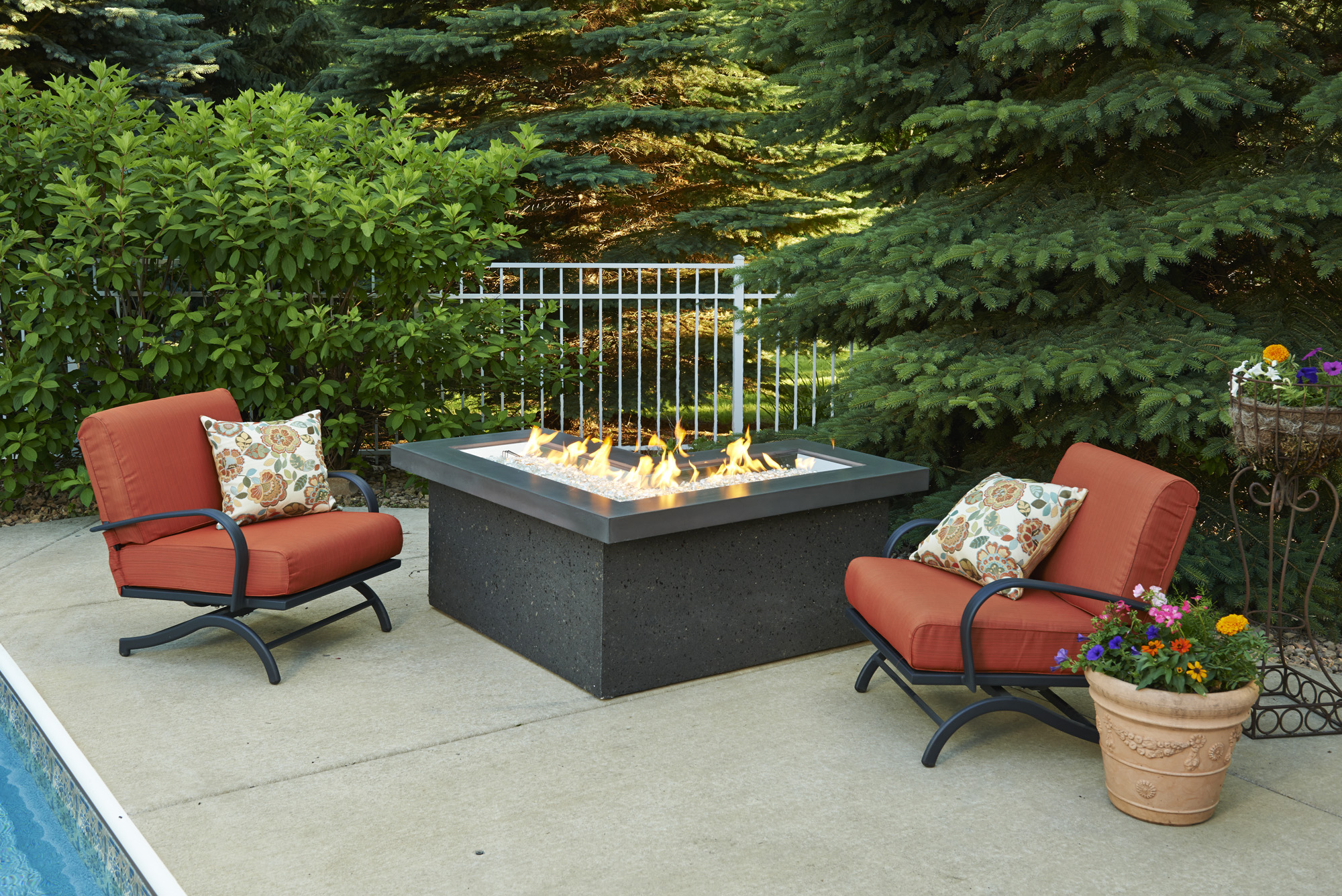 Chat Height Fire Pit Tables with L Shape Burner