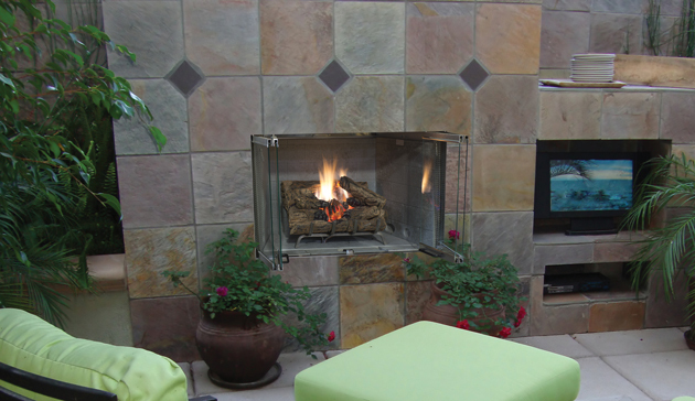 Superior VRE3000 Outdoor Gas Fireplaces
